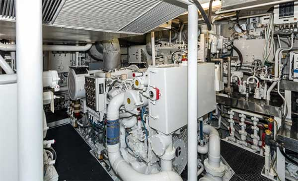 Expedition Yacht Buckpasser Cat 3306T 135 KW Generator