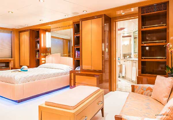 Expedition Yacht Andrea Master Suite