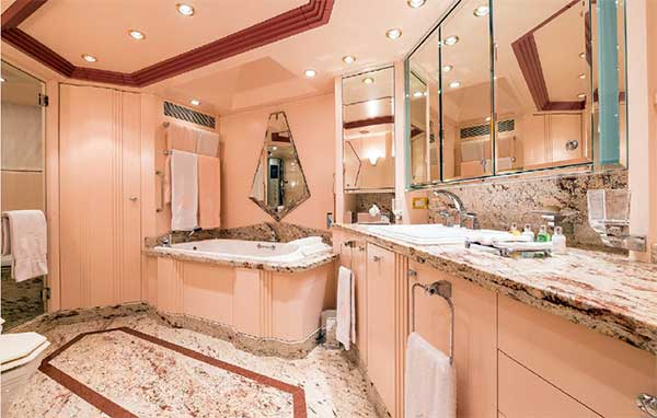 Expedition Yacht Andrea Master Bath