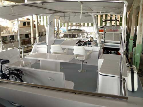 Expedition Yacht Fly Bridge