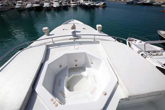 Foredeck with Jacuzzi