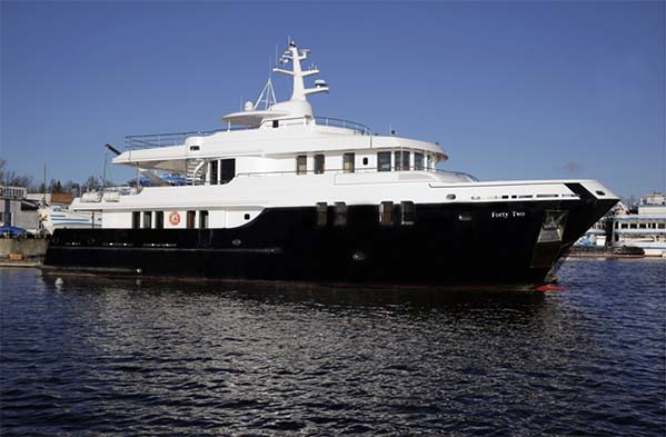 107 Expedition Yacht