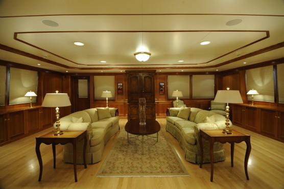 explorer yacht broker report