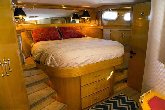 Seaton 64 Expedition Yacht Voyager Master Stateroom