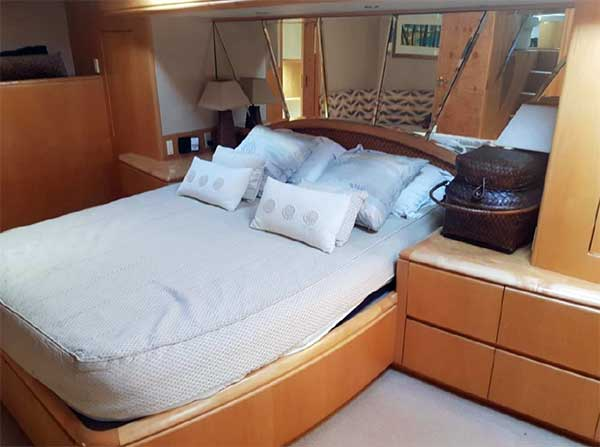 87 Pachoud Yachts for Master Suite